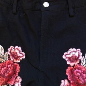 Pants - High waist embroidered floral stretch pant